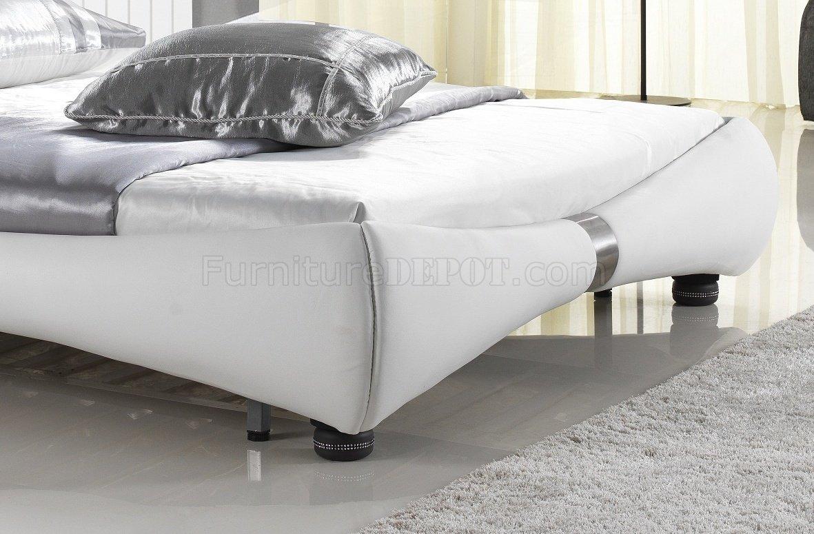 bianca futon sofa bed review online kaufen schweiz luxe in white half leather by casabianca