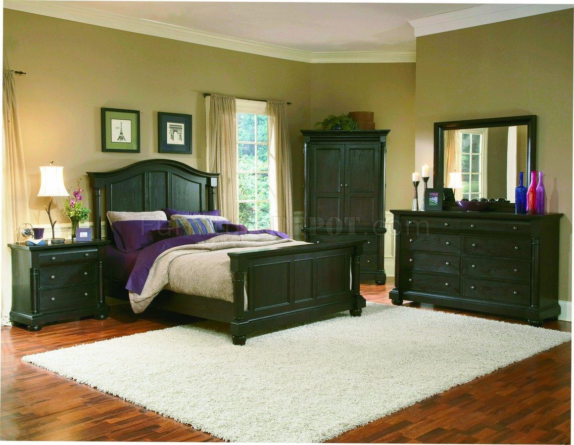 Dark Mocha Finish Classic 5Pc Queen Size Bedroom Set WPost Bed