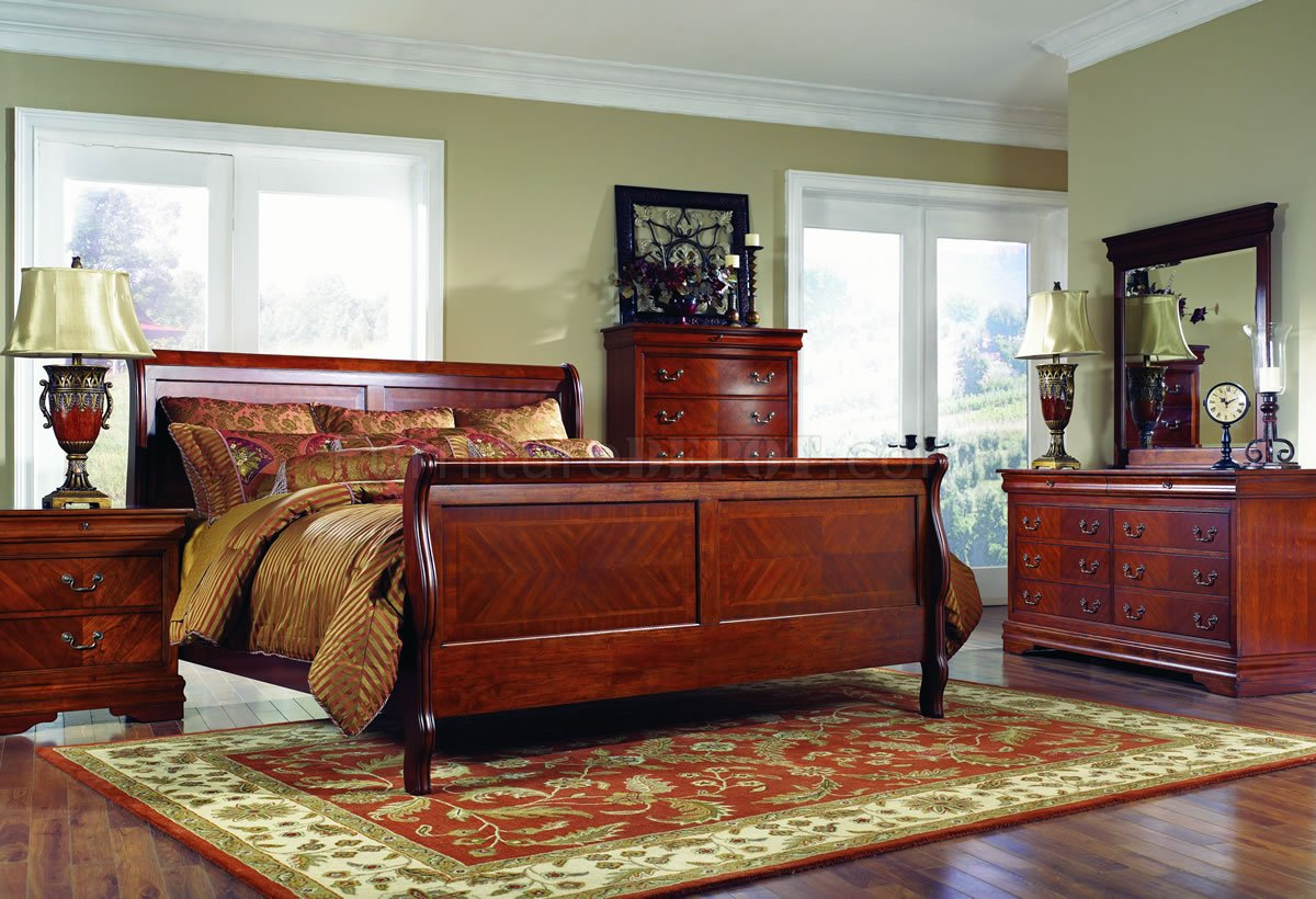 Distressed Cherry Finish Classic Bedroom WOptional Casegoods
