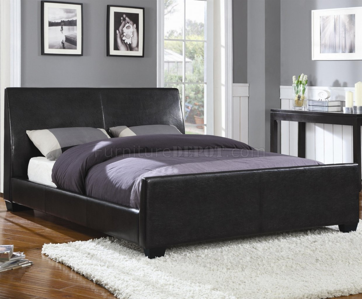 300250Q Upholstered Bed In Black Faux Leather By Coaster