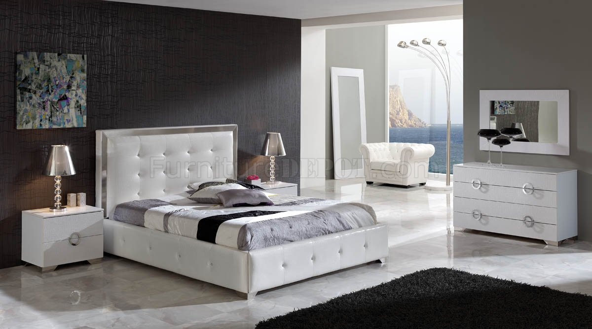 white modern bedroom w oversized