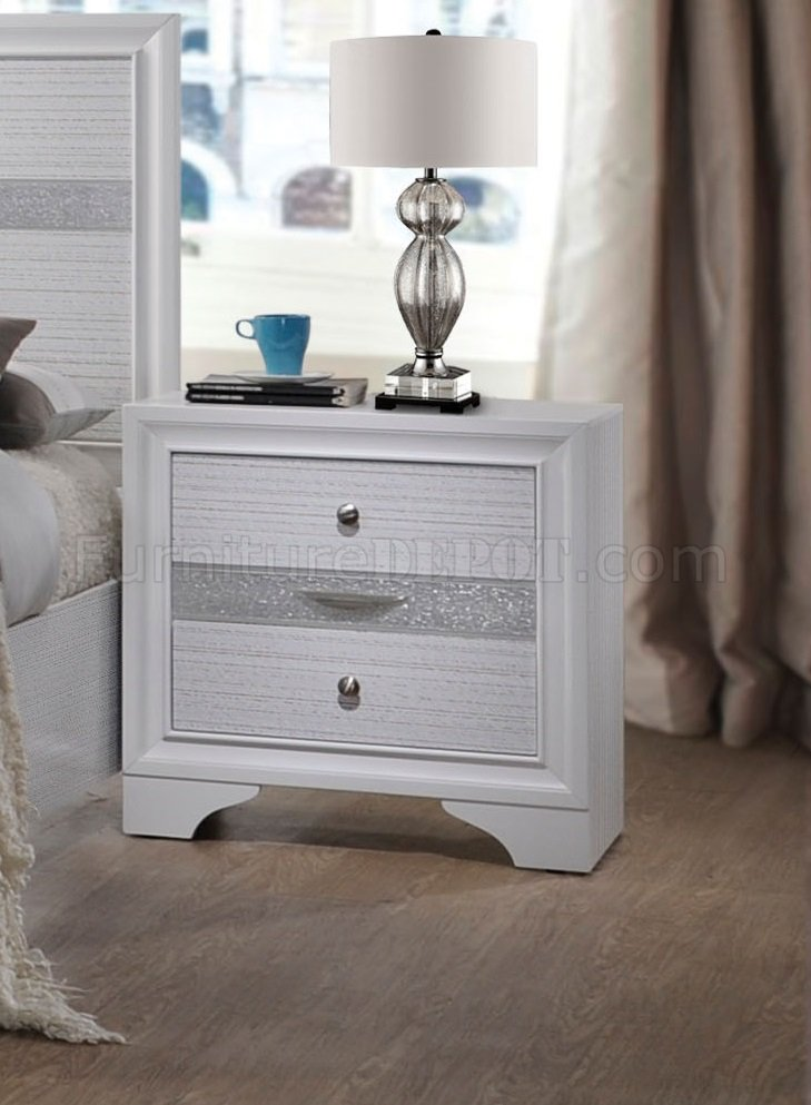 Naima Bedroom 25770 5Pc Set In White By Acme WOptions
