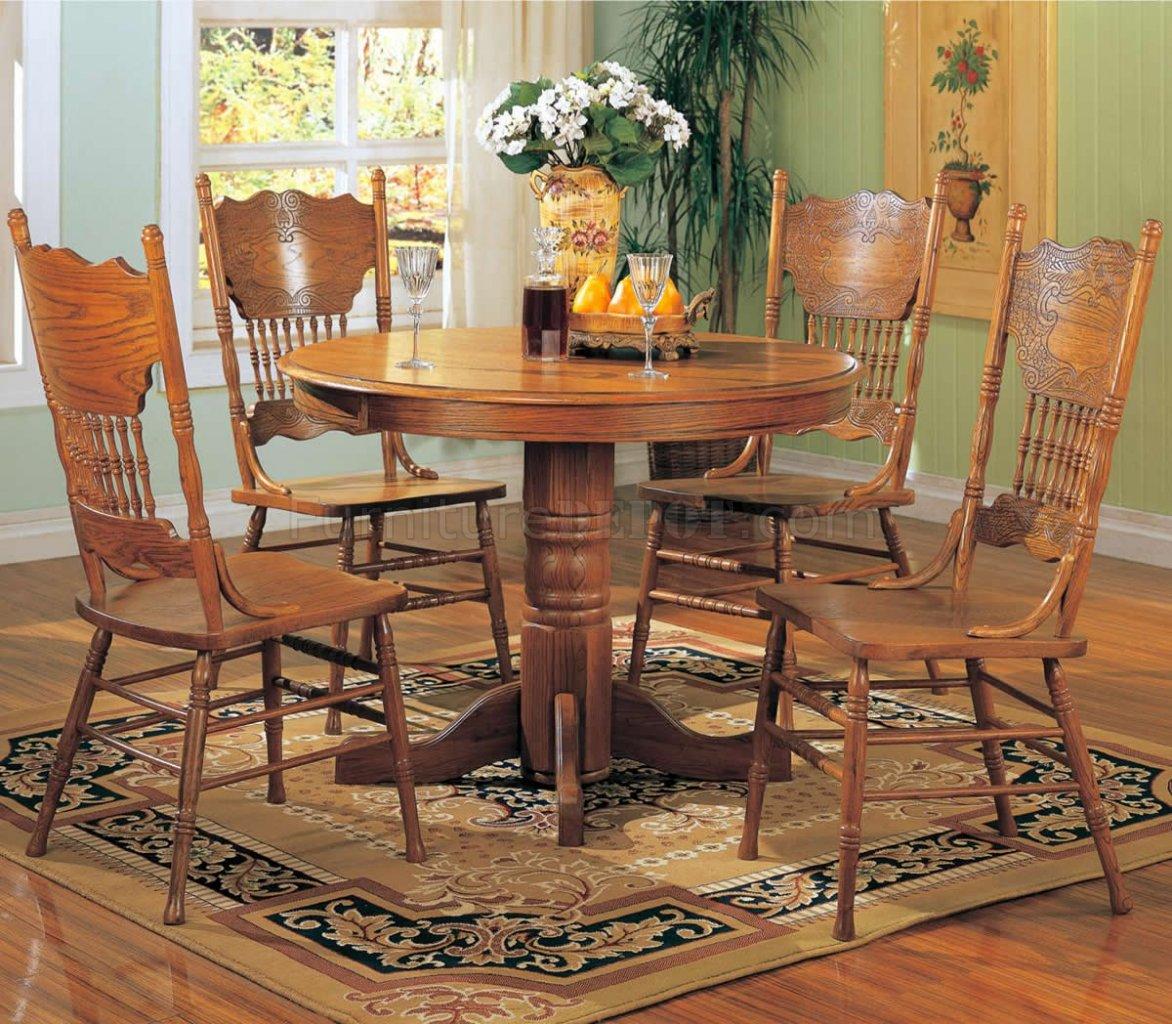 Oak Finish Traditional 5Pc Round Dining Set wPedestal Base