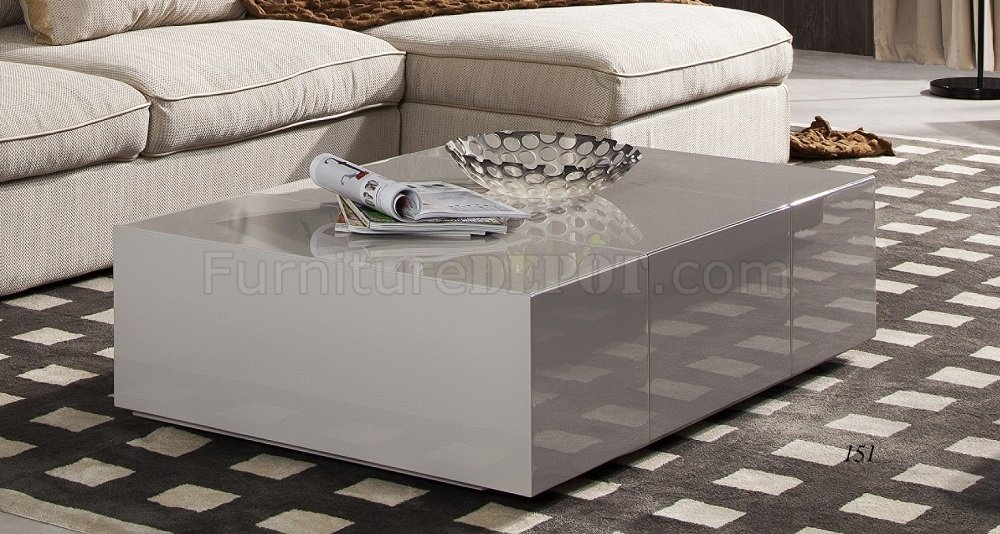 P592A Coffee Table in Light Grey High Gloss by JM Furniture