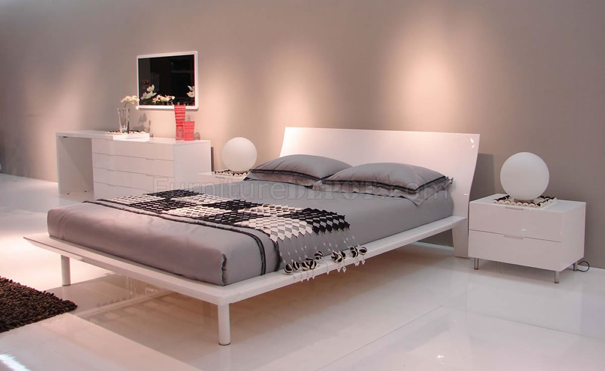 White Lacquer Finish Modern Bedroom WPlatform Bed