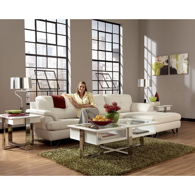 Gunter Brilliant White Sectional Set