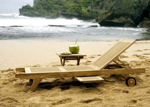 Pattaya Lounger With August Side Table Outdoor Furniture
