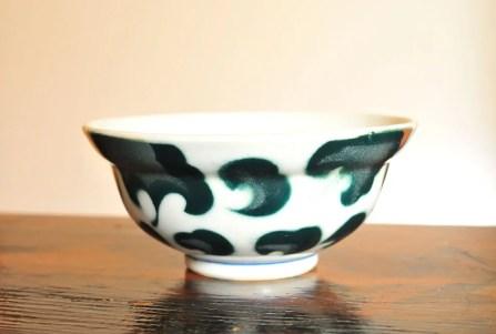 古物のシンプルな柄が素敵な丼ぶり茶碗