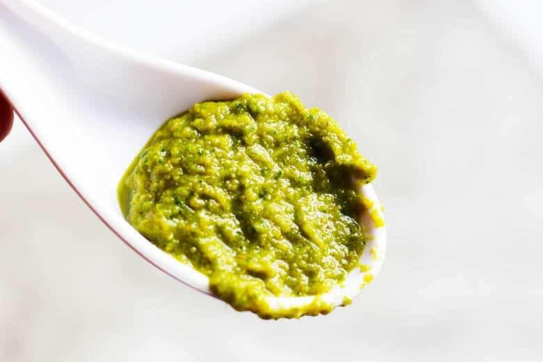 Thai Green Curry Paste | Kreaung Geng Geng Gwio Warn