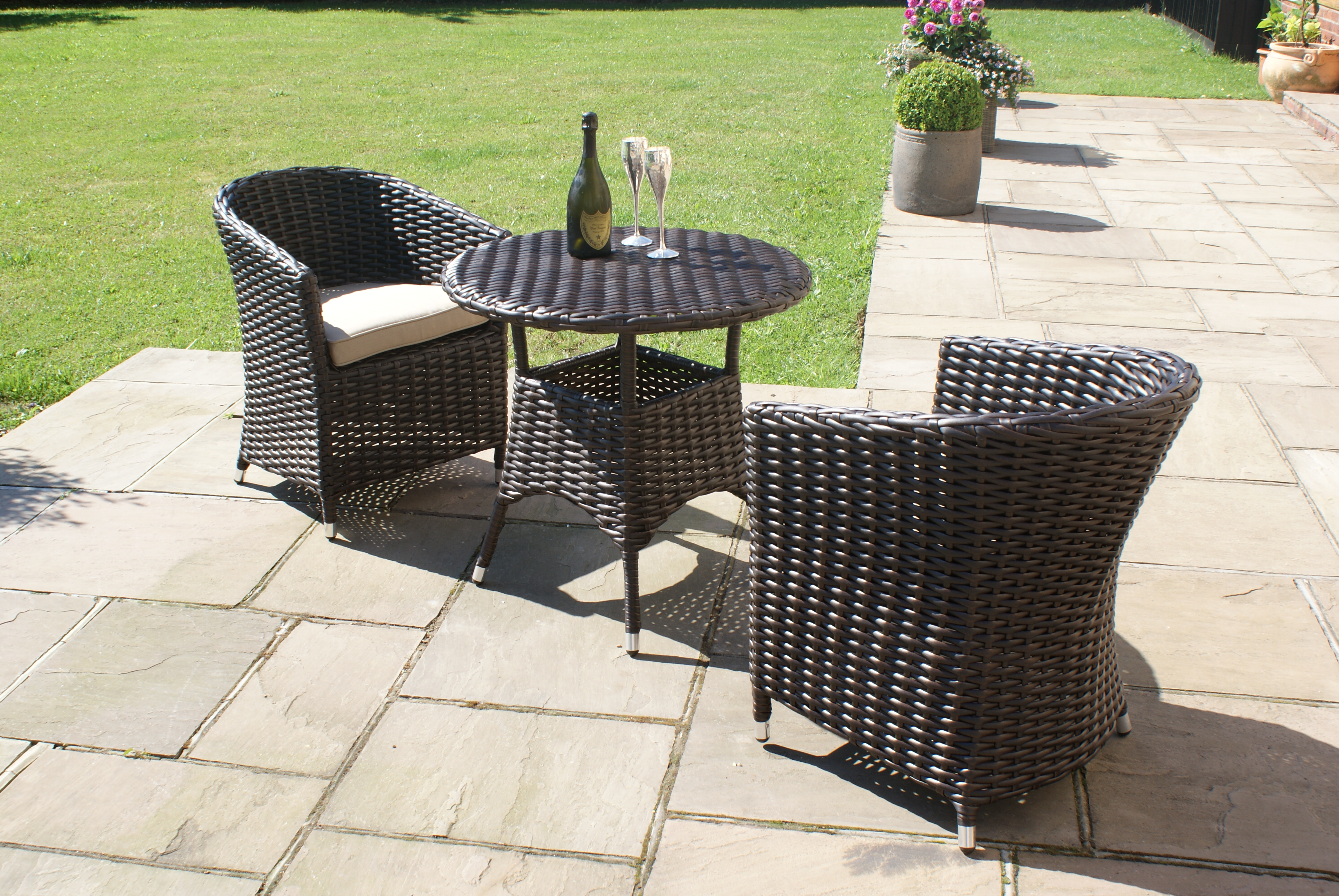 french bistro table and chairs uk grey chair slipcovers sienna rattan garden furniture outdoor small round