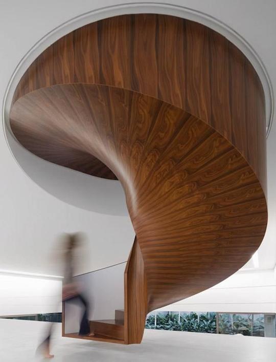 Escaleras de caracol de madera  Carpinteros  Barcelona  Ebanisteria  Carpintera de madera  Barcelona  Decoracin
