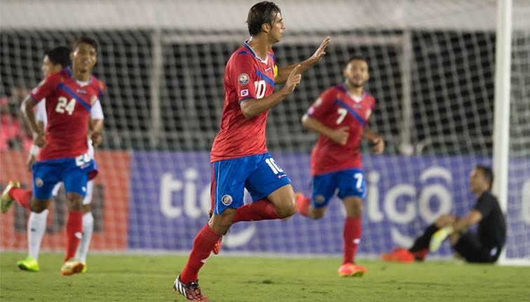 Bryan Ruiz celebra su gol de tiro libre para el empate en el juego. Corría el minuto 28. Foto: Cortesía de CONCACAF.