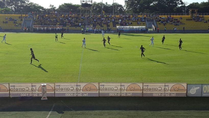 Fue un partido intenso en el que las individualidades pesaron más en el marcador. Foto: Prensa UCR