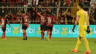 Photo of La Liga cumple en casa y entra en cuenta regresiva