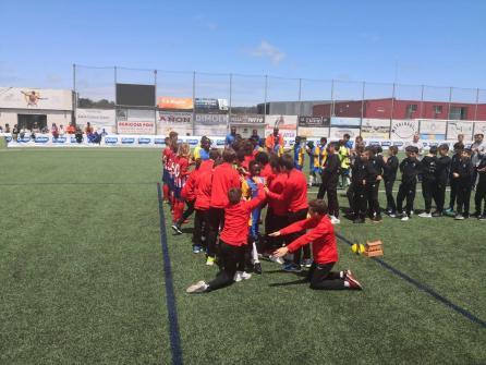 XV Torneo Internacional Infantil de Fútbol 7 de Carballo 2019. AFA Campeón. Celebración 04