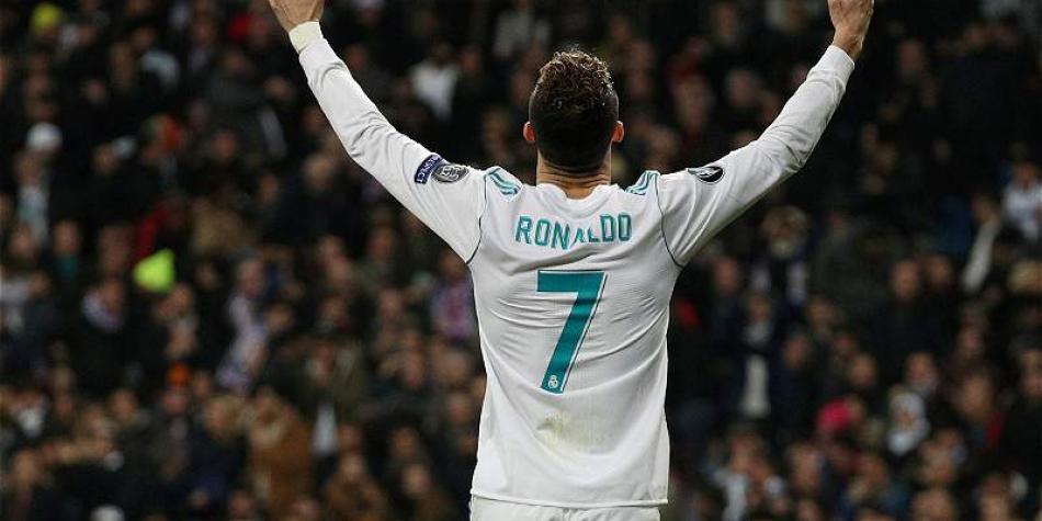 Cristiano Ronaldo y una postal más de uno de sus tantos al PSG, por la Champions, en el Bernabéu.