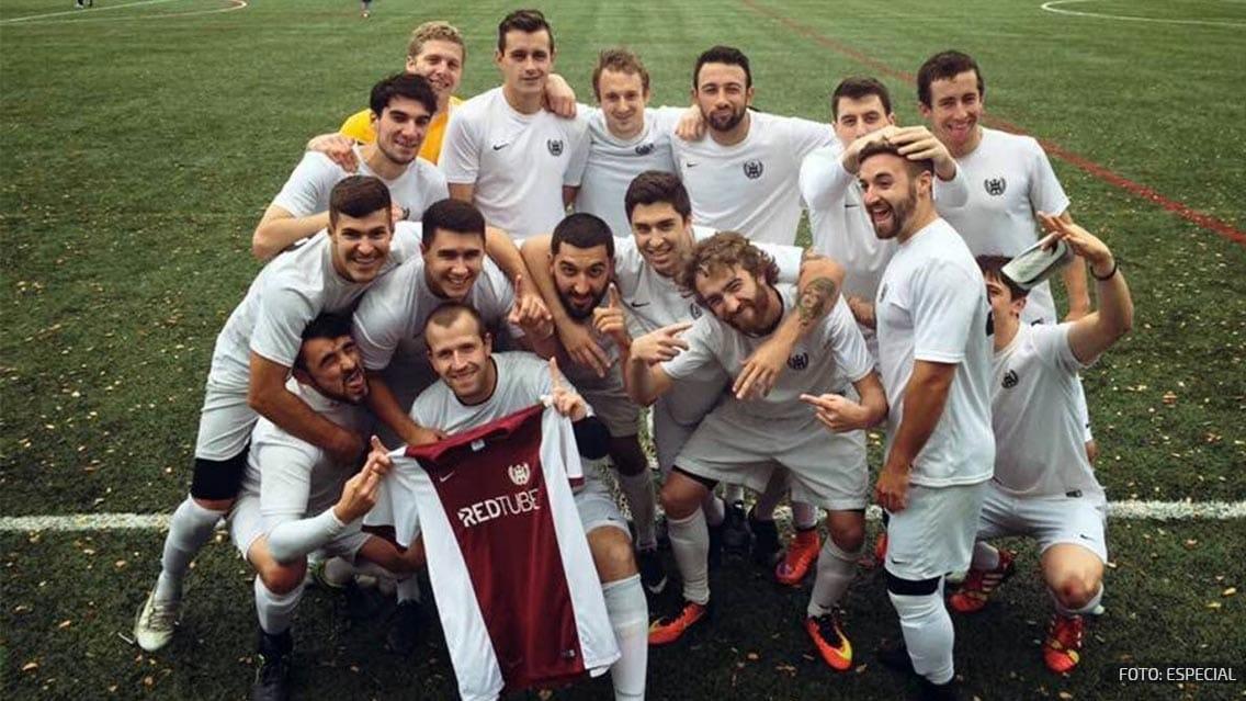 Sitio porno patrocina a un equipo amateur de futbol