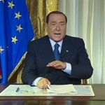 Berlusconi si difende con video. Guerra di parole.