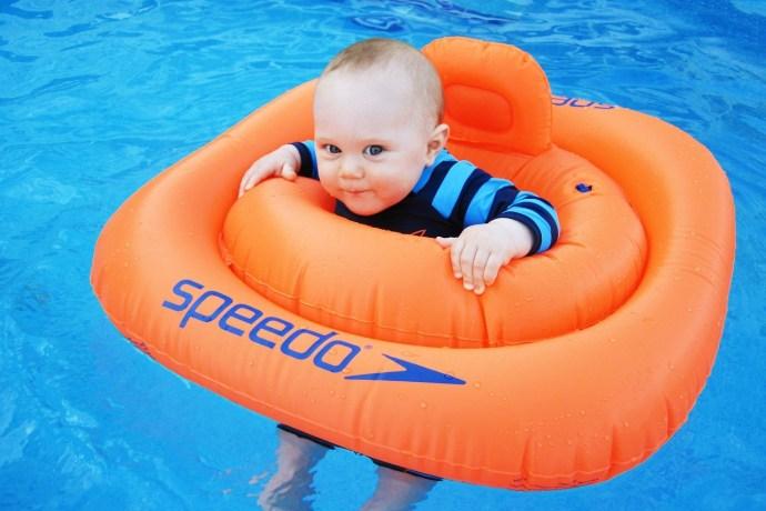 best-swimming-float
