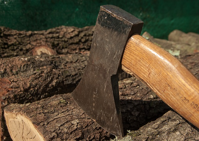 splitting axe - 13 Types of Axes with Different Uses
