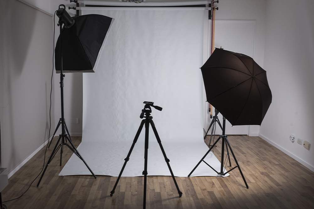 how to make diy backdrop stand