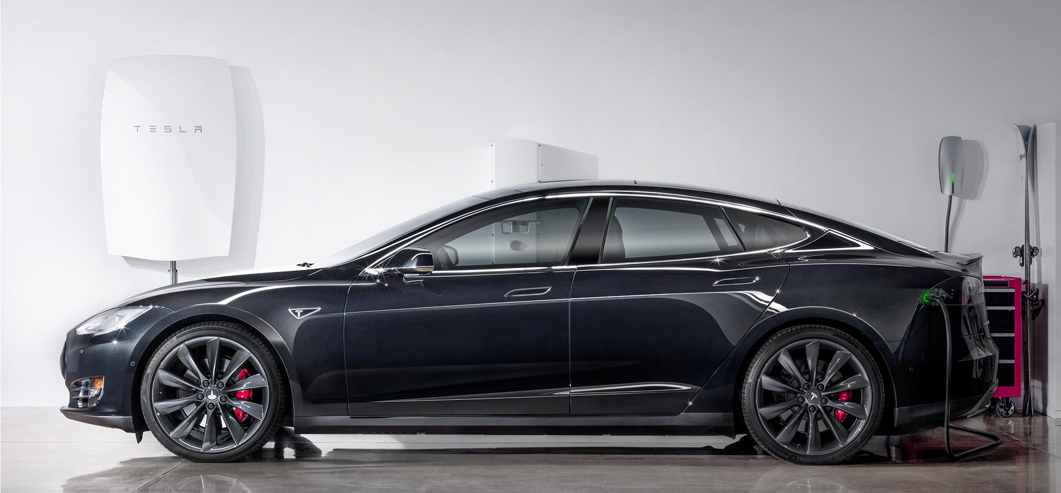 Top 10 Electric Cars with the Most Range Tesla Leaves other EV s