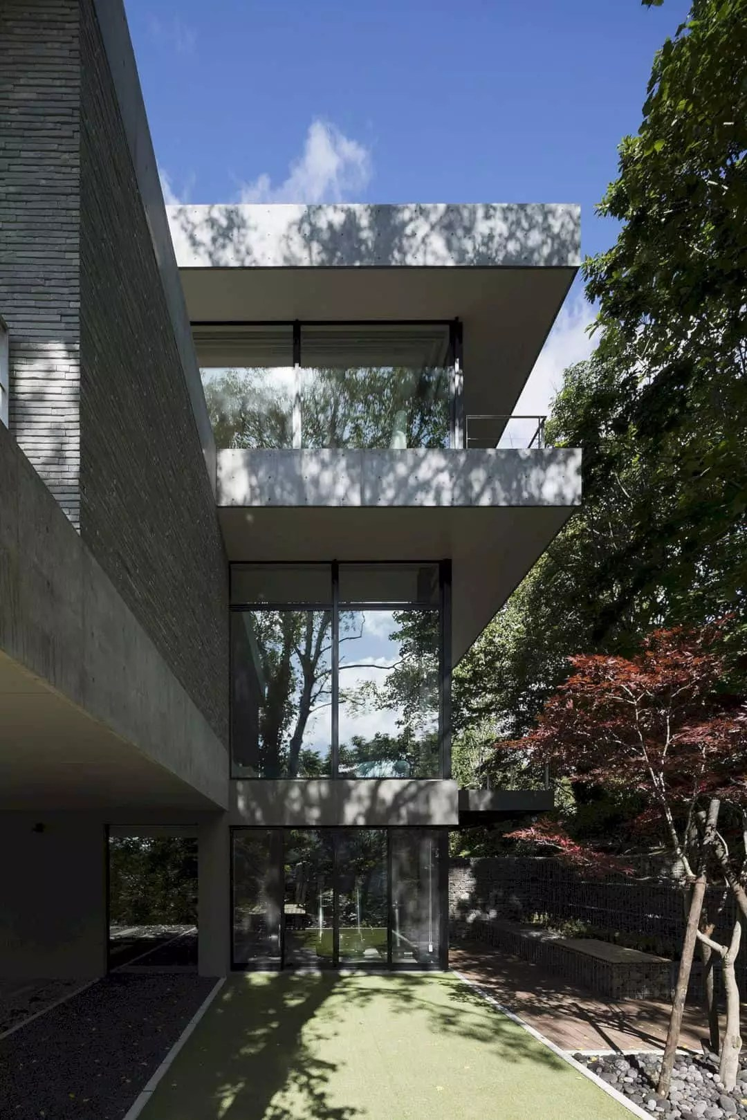 The Clearwater House A Refreshing Vacation Home In Japan 11