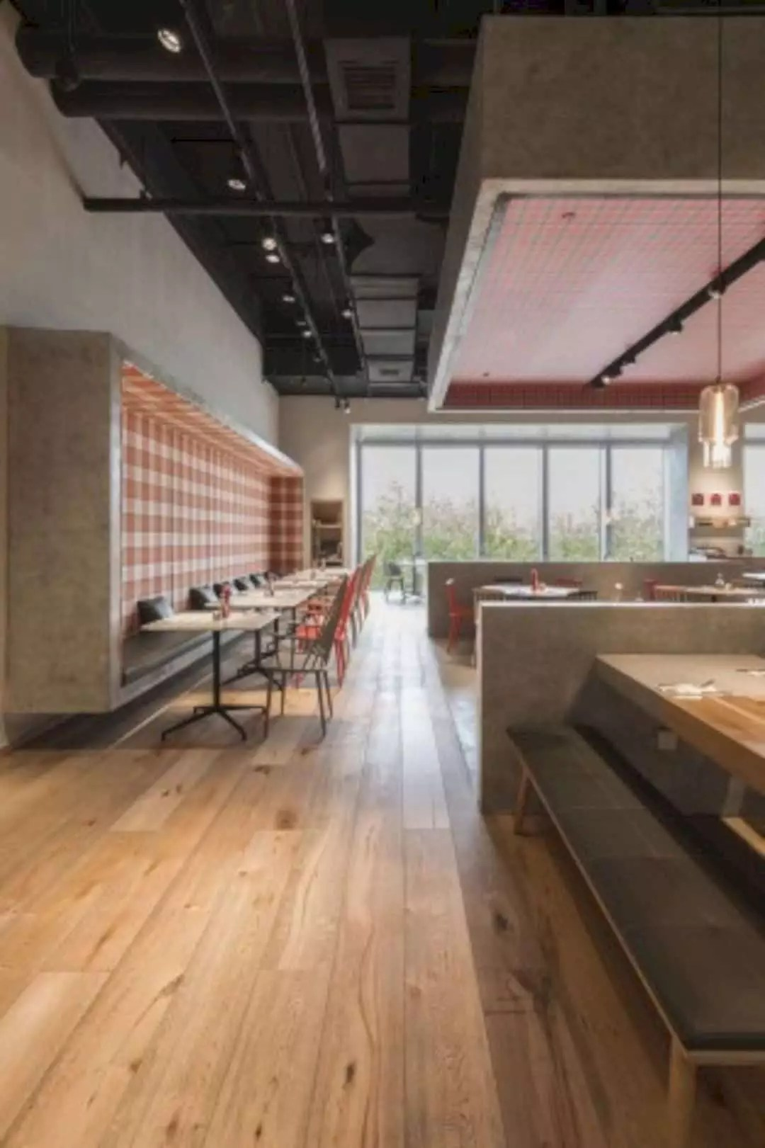 Raffles Pizza Express: A Restaurant with Dining in A Park Theme