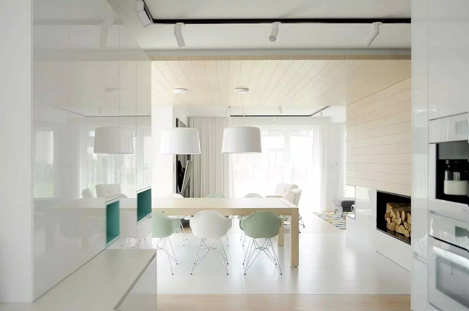 Dom Tarn Gory: Elegant Interior of A House with Remarkable Open Space