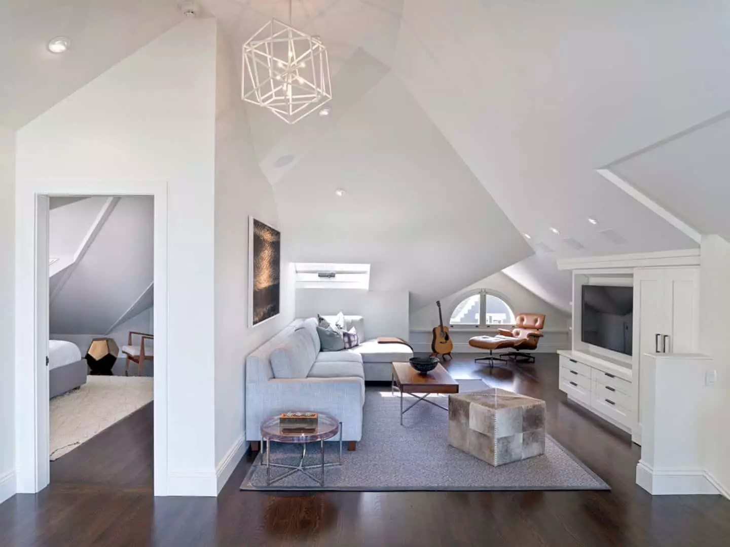 Pacific Heights: A Remodeled of Top Level Residence with Open and Modern Interior Design