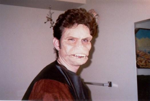 chris-ape-makeup2000