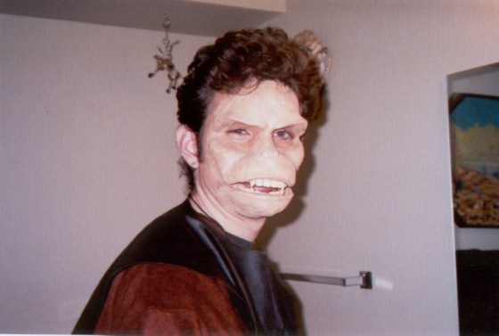 chris-ape-makeup2000