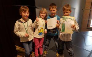 Teamfoto - Platz 5 für das Team der 60. Grundschule bei der Landesschulschacholympiade am 10. März 2016 in Bautzen