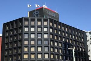 スルガ銀行員さん、ついついお客さんの貯金1億6,500万円分を解約して他の人に貸し出してしまう。