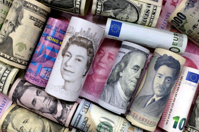 Forex Signals - Dollar bides time ahead of ECB