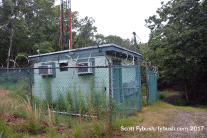 WLNG transmitter shack