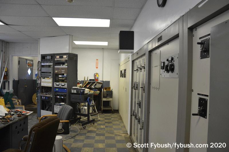 WWRL transmitter room