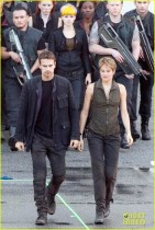 shailene-woodley-theo-james-are-back-to-work-on-insurgent-13