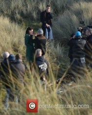 jim-sheridan-rooney-mara-theo-james-the-secret-scripture-filming_4547950