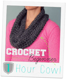 easy crochet cowl, a tutorial featured by top US craft blog, Fynes Designs