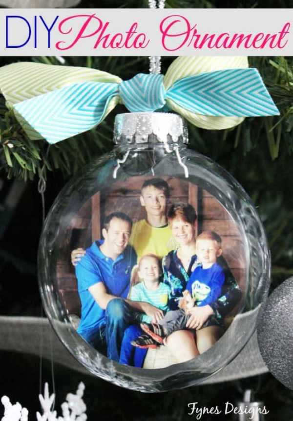 Easy DIY photo ornaments. Great tutorial with step by step photos.