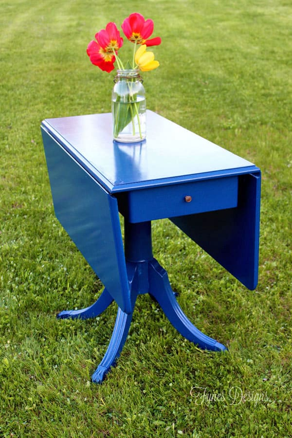 Painted vintage Duncan Phyfe table for an outdoor dining set