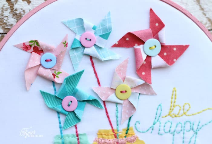 Fabric pinwheels via fynesdesigns.com