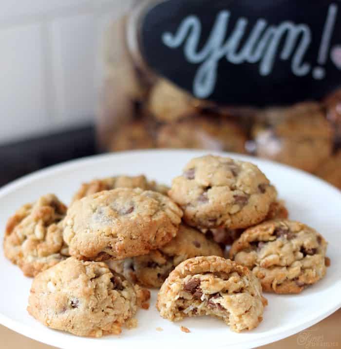 Yuuuuummmmy Chocolate Chip Crunch Cookies