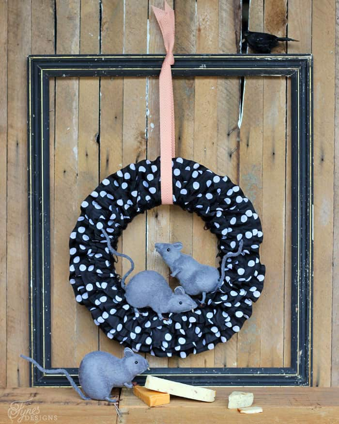 Creepy DIY Halloween Rat Wreath