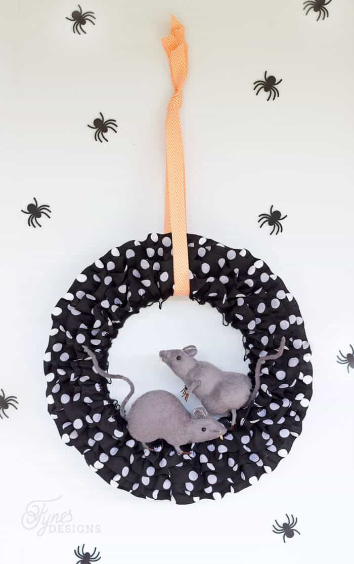 Easy Halloween Rat wreath