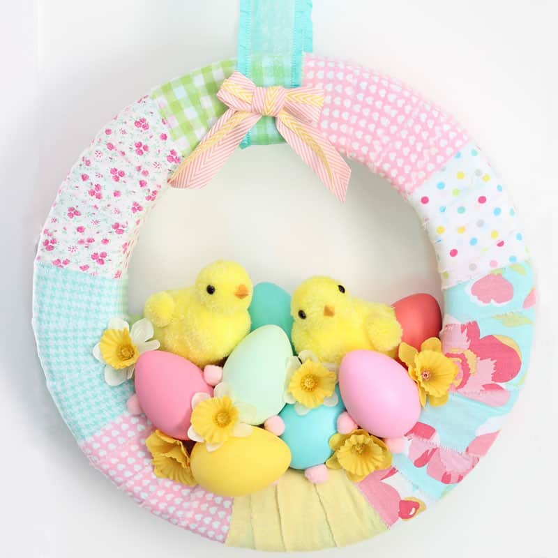 Chick spring Easter Wreath | Easy Spring Wreath Idea by popular interior design blog, Fynes Designs: image of a spring chick wreath.