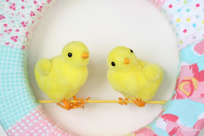 How to attach the birds to the Easter wreath