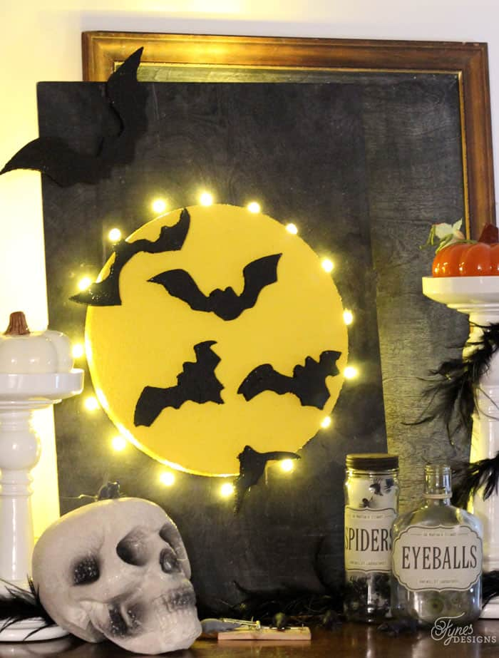 Make this Halloween Full Moon light up sign