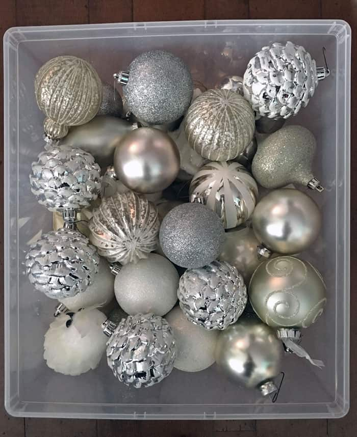Get rid of access Christmas packaging to store Christmas ornaments